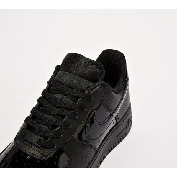 Nike Air Force 107 Patent Turnschuhe Damen